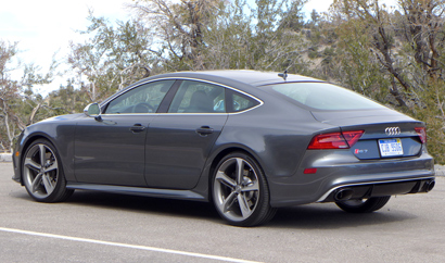 A three-quarter rear view of the 2014 Audi RS 7 quattro Tiptronic