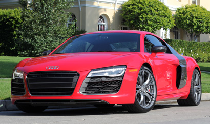 A three-quarter front view of the 2014 Audi R8 V10 plus Coupe