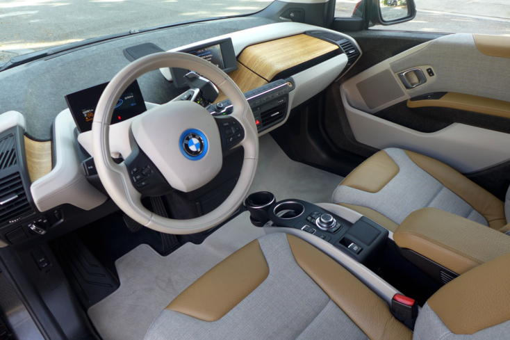 2015 BMW i3 dashboard