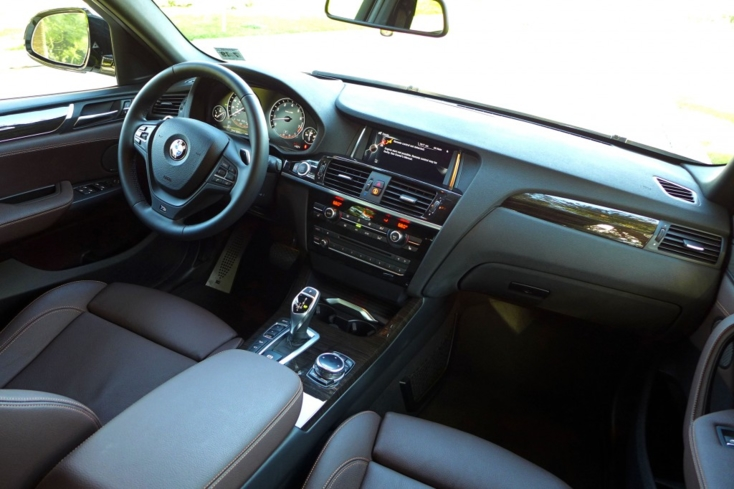 2015 BMW X4 dashboard