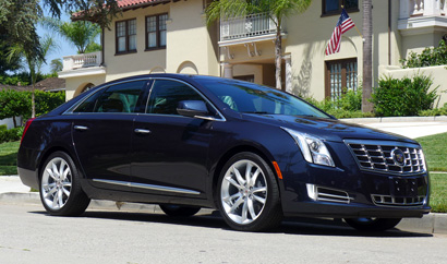 Front view of the 2013 Cadillac XTS AWD Premium Collection