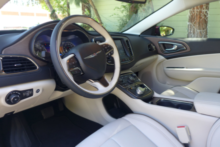 2015 Chrysler 200C dashboard