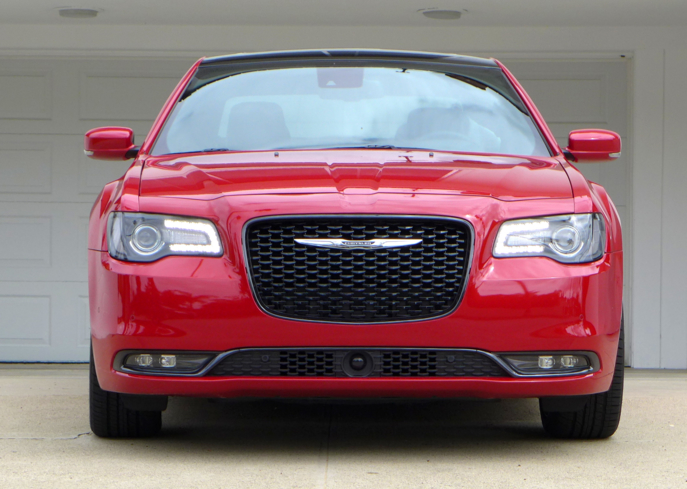 A front view of the 2015 Chrysler 300S