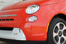2014 Fiat 500e headlight detail