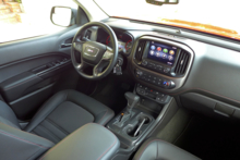2015 GMC Canyon interior