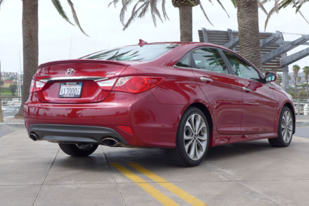 2014 Hyundai Sonata SE 2.0T rear view