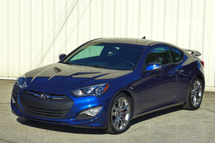 2015 Hyundai Genesis Coupe front view