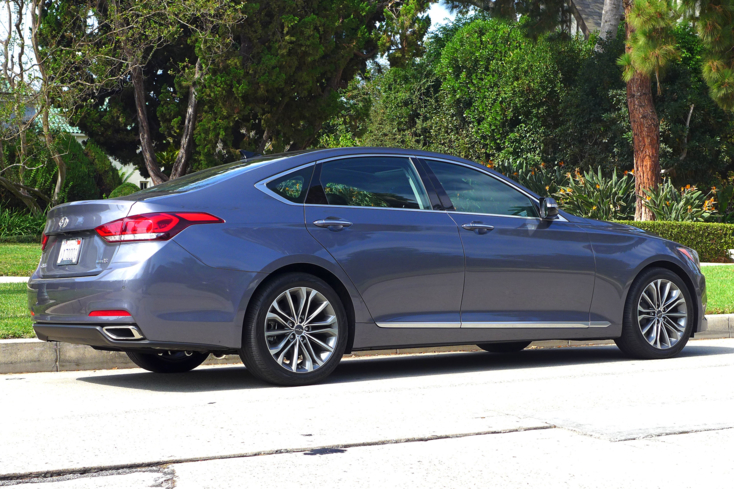 2015 Hyundai Genesis back view