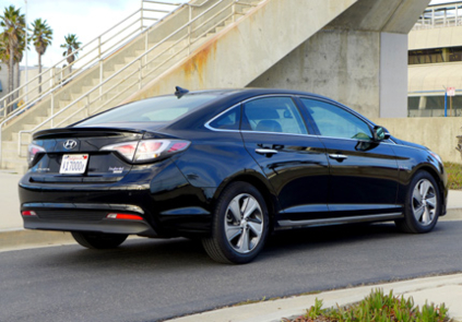 2016 Hyundai Sonata Hybrid Limited back view