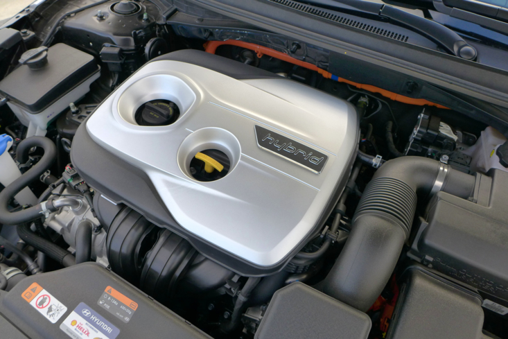 2016 Hyundai Sonata Hybrid Limited engine