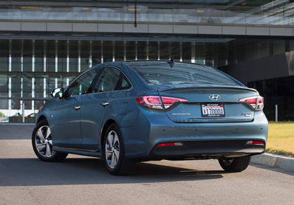 2016 Hyundai Sonata Plug-In Hybrid rear view