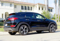 2016 Hyundai Tucson Limited FWD back view