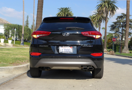 2016 Hyundai Tucson Limited FWD rear view