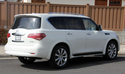 2014 Infiniti QX80 AWD rear view