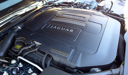 2014 Jaguar F-TYPE V8 S engine