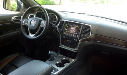 2014 Jeep Grand Cherokee Overland 4x4 interior