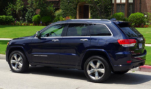2014 Jeep Grand Cherokee Overland 4x4 side view