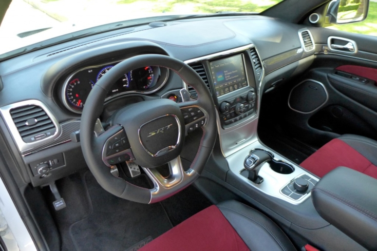 2015 Jeep Grand Cherokee SRT interior