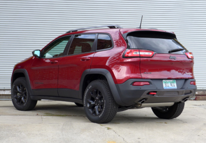 2016 Jeep Cherokee Trailhawk 4x4 back view