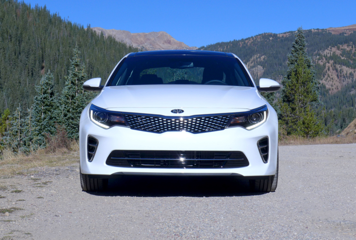 2016 Kia Optima 2.0T SX front view