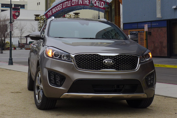 2016 Kia Sorento SXL Turbo front view