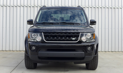 2014 Land Rover LR4 front view