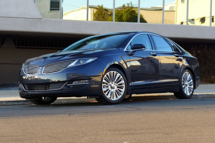 2013 Lincoln MKZ AWD front view