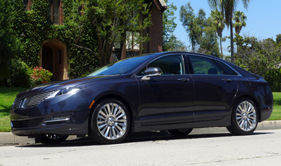 2013 Lincoln MKZ AWD left side view