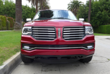2015 Lincoln Navigator 4x4 front view