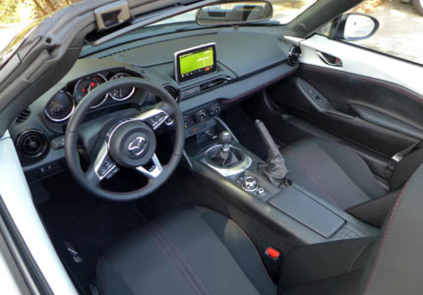 2016 Mazda MX-5 Miata Grand Touring dashboard