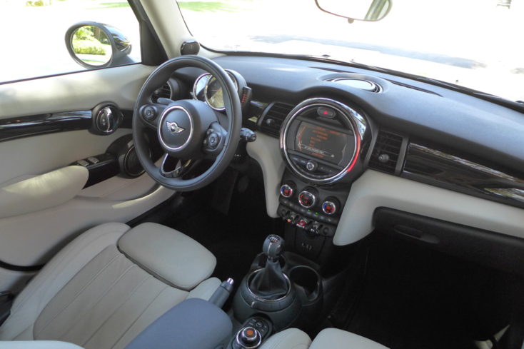 2015 Mini Cooper S Hardtop 4 Door dashboard