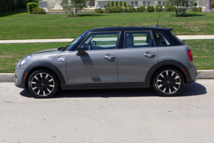 2015 Mini Cooper S Hardtop 4 Door side view