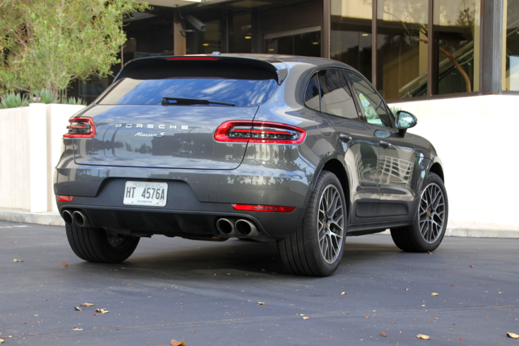 2015 Porsche Macan rear view