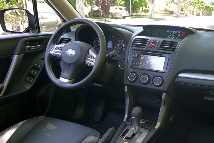 2014 Subaru Forester 2.0 XT Touring steering wheel