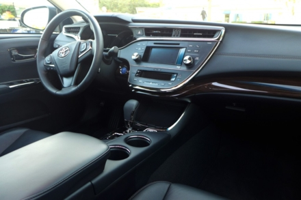 2015 Toyota Avalon Hybrid dashboard