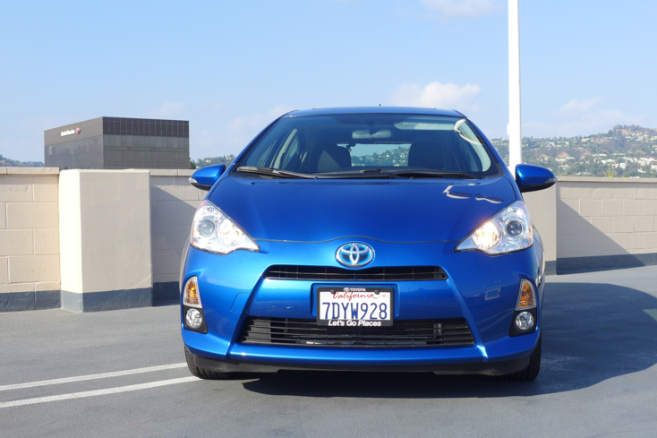2015 Toyota Prius c front view