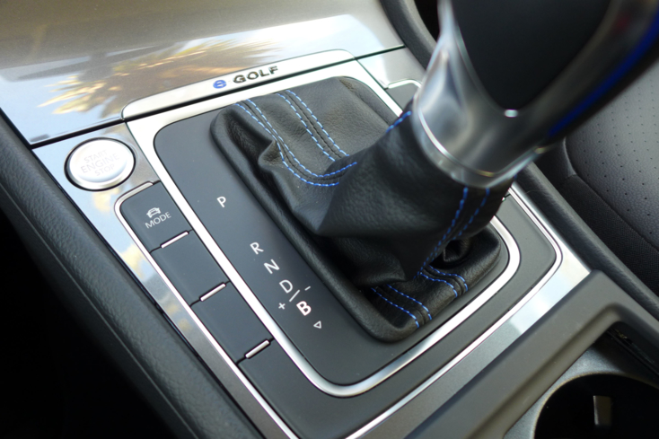 2015 Volkswagen e-Golf shifter