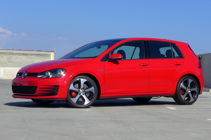 2015 Volkswagen GTI 4-Door side view
