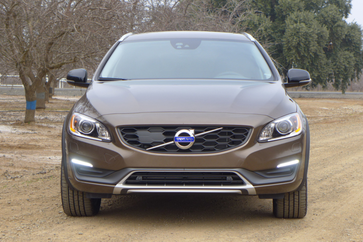 2015 Volvo V60 T5 AWD Cross Country front