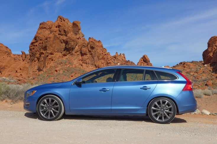 2015 Volvo V60 T5 Drive-E side view