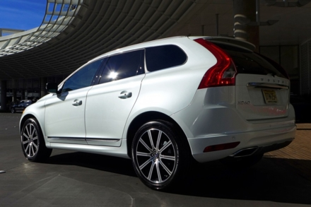 2015 Volvo XC60 rear view