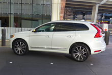 2015 Volvo XC60 side view