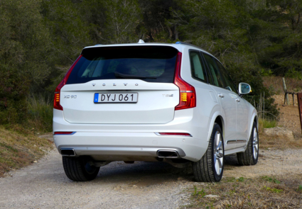 2016 Volvo XC90 T8 Hybrid back view