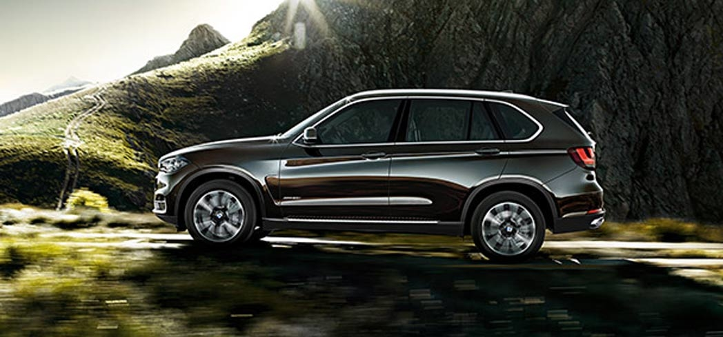 The BMW X5 xDrive40e featured on GAYOT's Best Small SUVs list