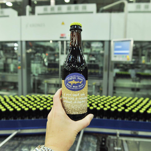 Dogfish Head World Wide Stout has aromas of freshly-brewed espresso and melted bittersweet chocolate