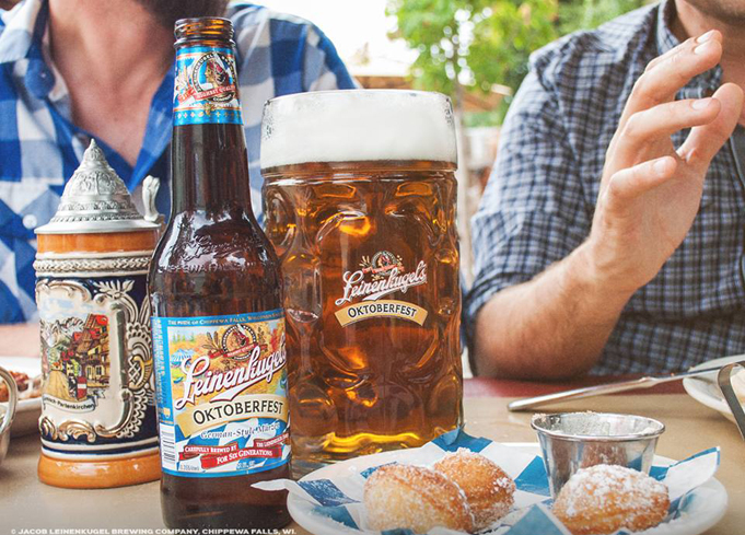 Leinenkugel's Oktoberfest is brewed with a blend of Munich, Caramel and Pale malts and balanced with Tettnang, Perle, Cluster and Hallertau hops