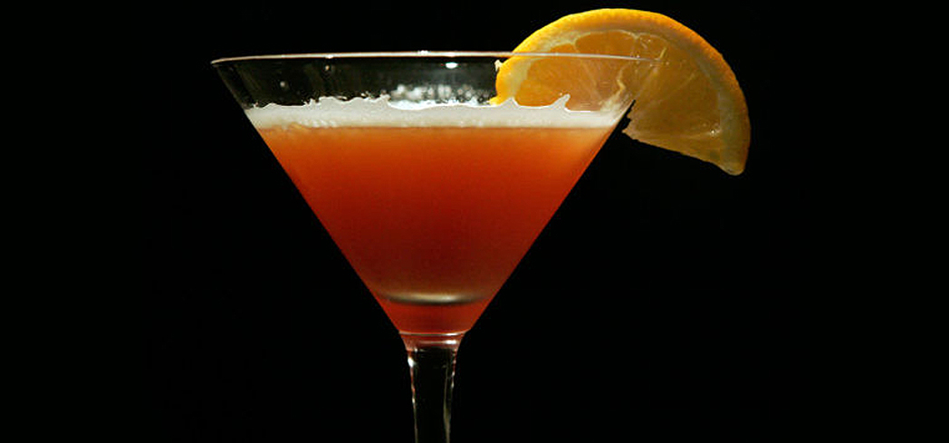 Try GAYOT's terrifyingly easy-to-make cocktails that are sure to impress at your Halloween party