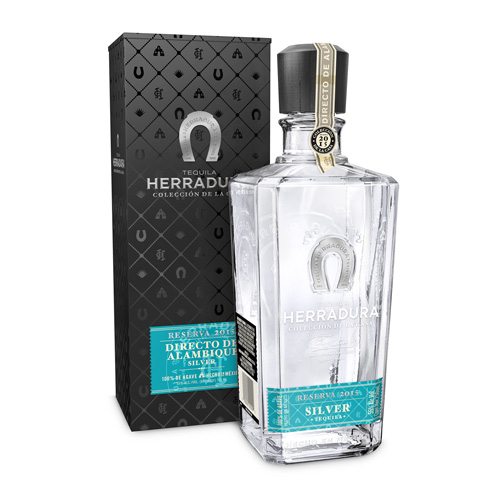 Herradura Silver Reserva 2015 has aromas of crisp cucumber and herbs