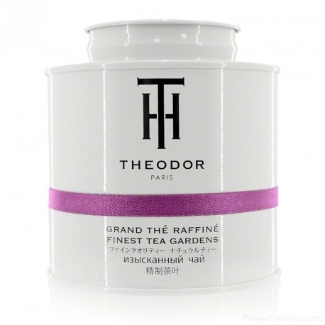 Theodor Parisian Breakfast blends black tea leaves from China and Darjeeling