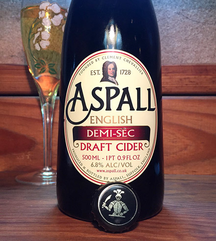 Aspall Demi-Sec Cider contains a combination of eight apple varieties
